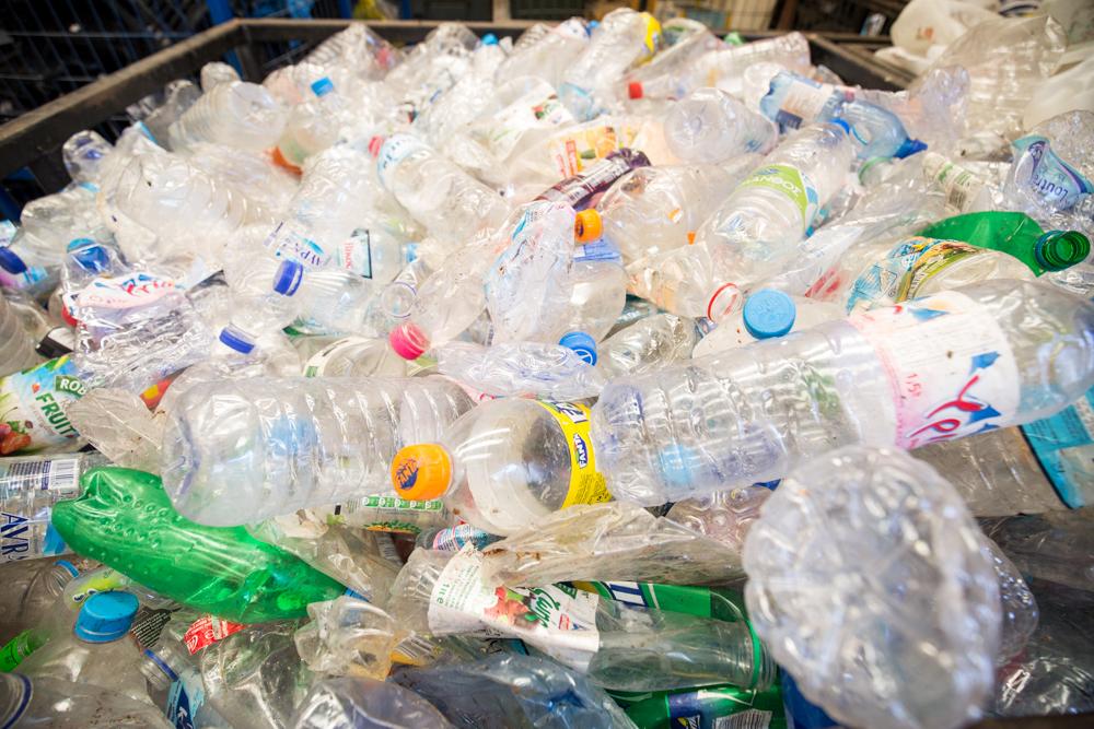 πλαστικά αδεια μπουκάλια