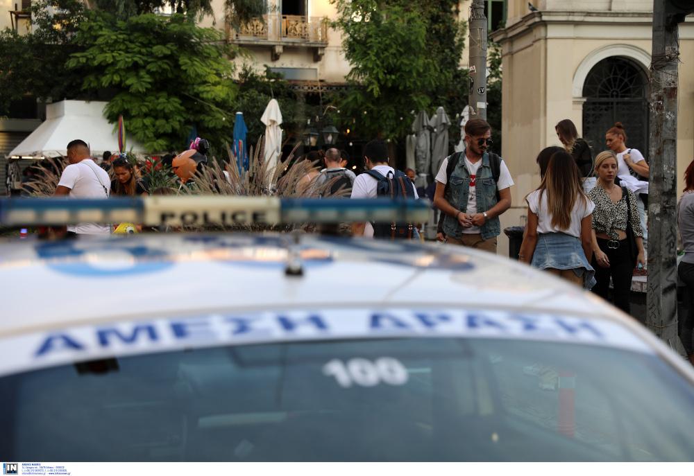 Κορωνοϊός: Οι πλατείες γέμισαν περιπολικά