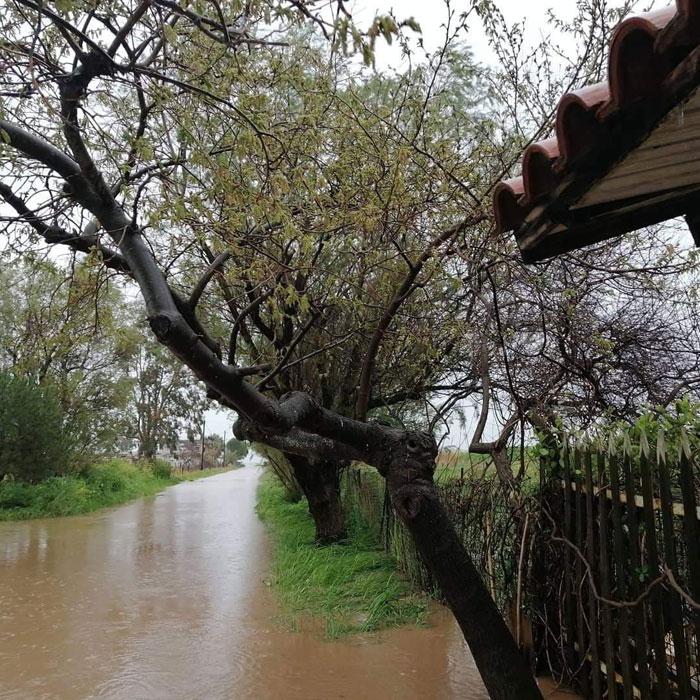Σφοδρές οι  βροχοπτώσεις τις τελευταίες ώρες στην Κεντρική Ελλάδα