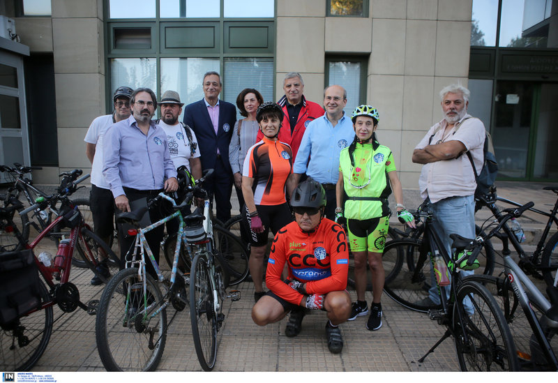 Κωστής Χατζηδάκης και Γιώργος Πατούλης με ποδηλάτες