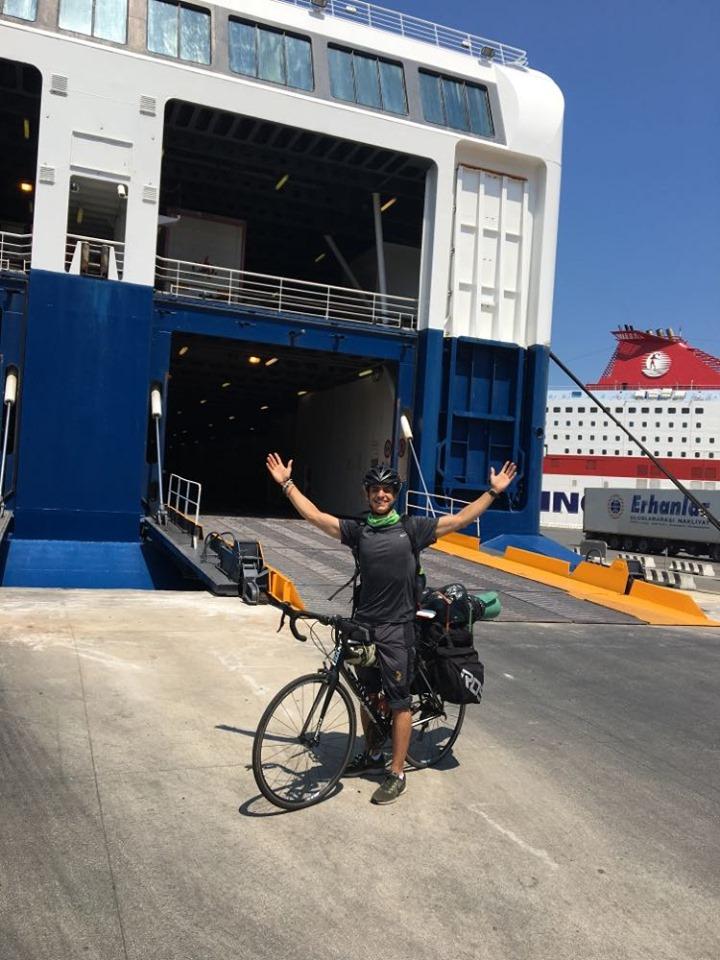 με ποδηλατο σε πλοιο