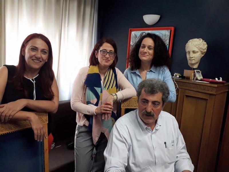 Ο Παύλος Πολάκης με συνεργάτιδές του