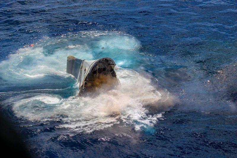 Η βολή από το υποβρύχιο ήταν απόλυτα επιτυχημένη και το πλοίο καταλήγει στο βυθό της θάλασσας