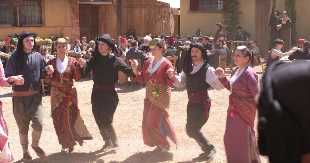 Παραδοσιακοί ποντιακοί χοροί στα γυρίσματα της σειράς «Το Κόκκινο Ποτάμι»