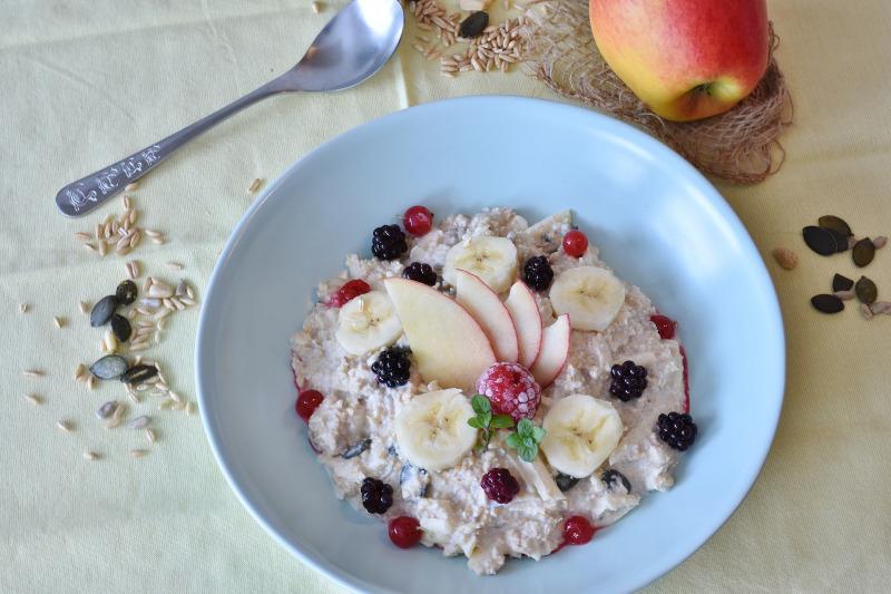 θρεπτικό πόριτζ με φρούτα