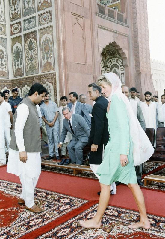 Η πριγκίπισσα Νταϊάνα στο τέμενος Badshahi το 1991