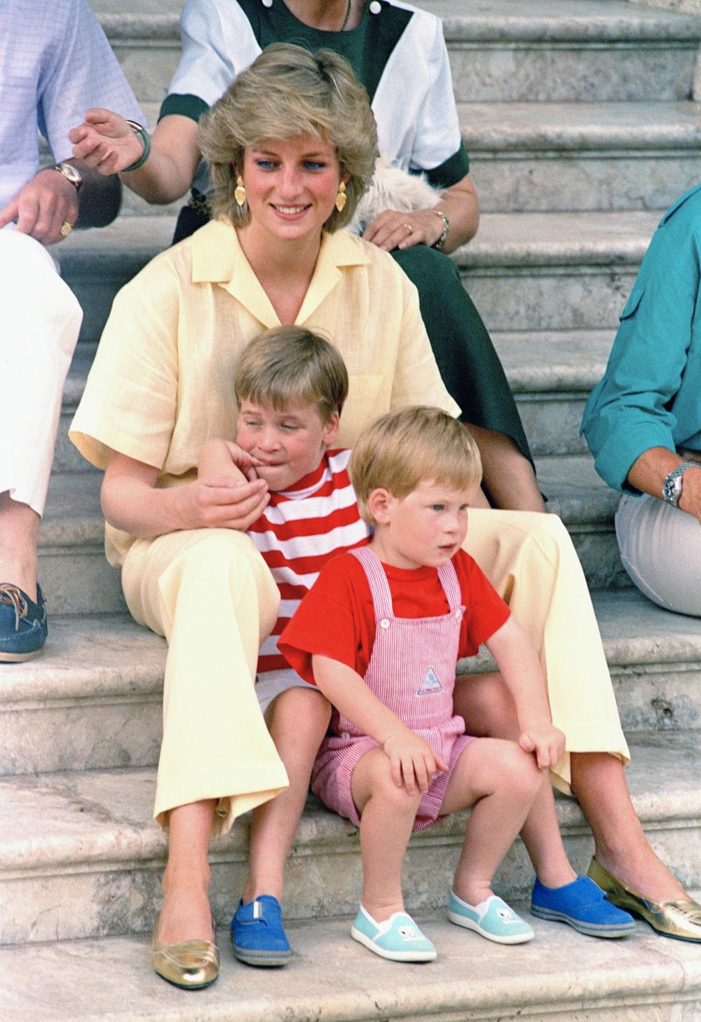 Η πριγκίπισσα Νταϊάνα με τον πρίγκιπα Χάρι και τον πρίγκιπα Γουίλιαμ