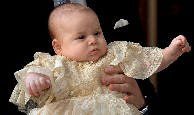 Το φόρεμα που φορούσε ο πρίγκιπας Τζορτζ στην βάπτισή του ήταν πιστό αντίγραφο ενός κειμηλίου του 1841