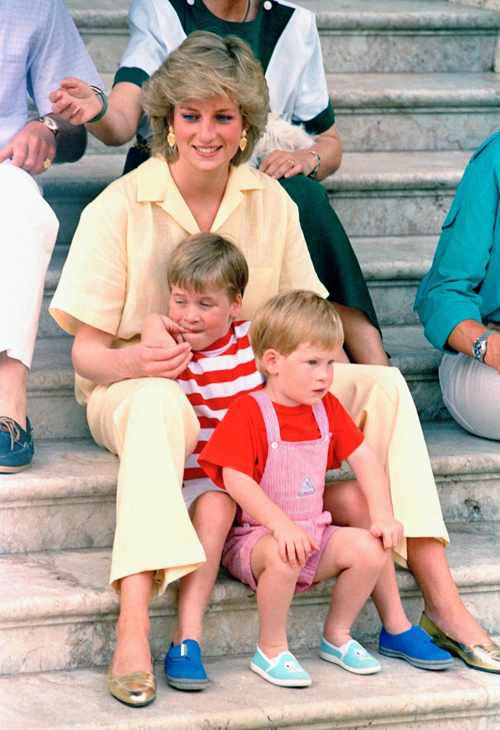 Η πριγκίπισσα Νταϊάνα με τους γιους της πρίγκιπα Γουίλιαμ και πρίγκιπα Χάρι