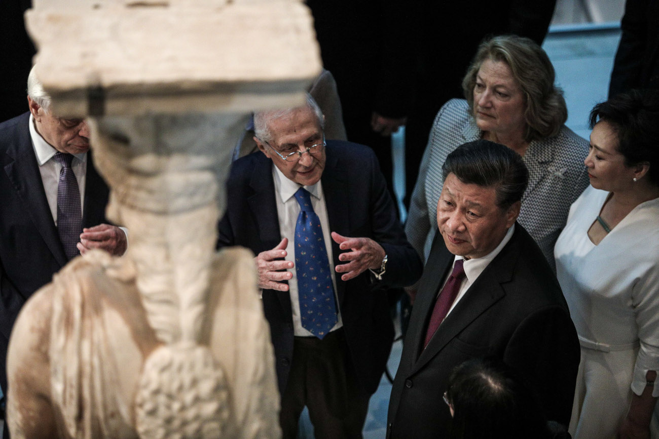 Ο Κινέζος πρόεδρος στο μουσείο της Ακρόπολης