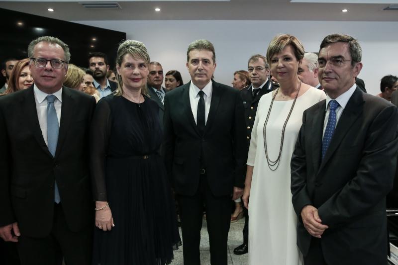 Από αριστερά: Γ. Κουμουτσάκος, Κ. Παπακώστα, Μ. Χρυσοχοΐδης, Ο. Γεροβασίλη, Λ. Οικονόμου -