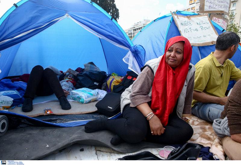 Πρόσφυγες με σκηνές στο Σύνταγμα -Φωτογραφία: Intimenews/ΣΤΕΦΑΝΟΥ ΣΤΕΛΙΟΣ