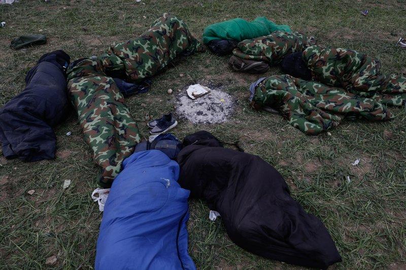 Πολλοί κοιμήθηκαν στα χωράφια
