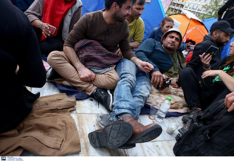 Πρόσφυγες και μετανάστες με καταγωγή από το Ιράκ και το Αφγανιστάν -Φωτογραφία: Intimenews/ΣΤΕΦΑΝΟΥ ΣΤΕΛΙΟΣ