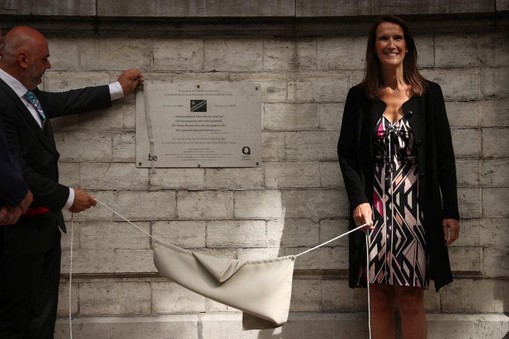 Πλακέτα στη μνήμη της ανεξαρτησίας του Κονγκό σε συνοικία των Βρυξελλών αποκάλυψε η Βελγίδα πρωθυπουργός