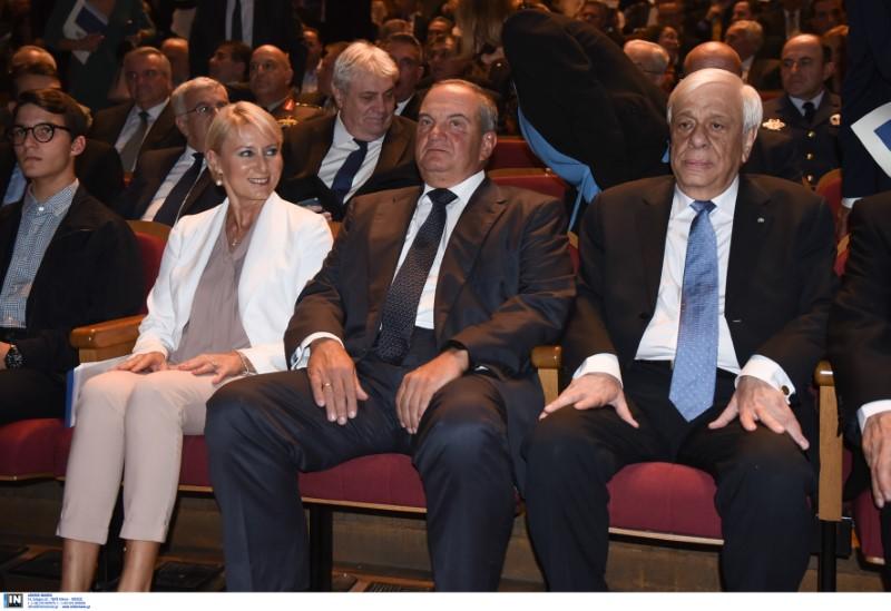 Από αριστερά: Νατάσα Παζαΐτη, Κώστας Καραμανλής, Προκόπης Παυλόπουλος ΗΣ