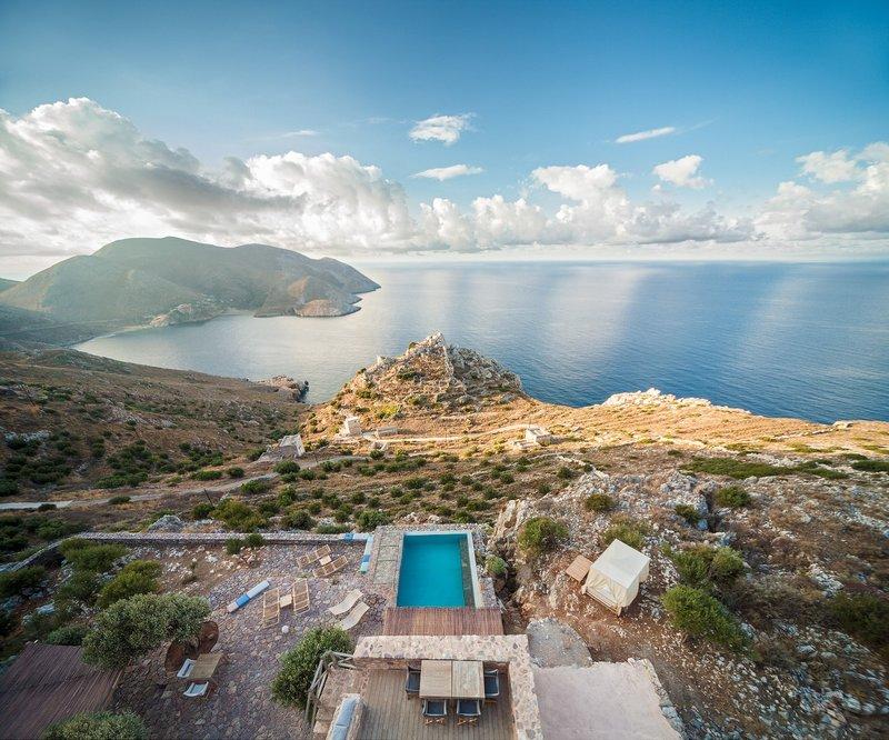 Ξενοδοχείο με θέα τη θάλασσα και το βουνό