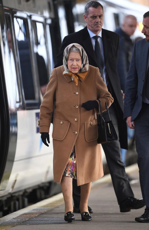 Η βασίλισσα Ελισάβετ φτάνει πάντα με το τρένο στο Νόρφολκ και από εκεί οδηγεί μέχρι το Σάντριγχαμ