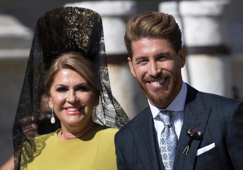 Ο αρχηγός της Ρεάλ Μαδρίτης, Σέρχιο Ράμος με την μητέρα του