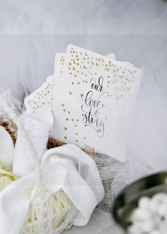Η Έλενα Ράπτη δημοσίευσε τις μπομπονιέρες του γάμου της / Φωτογραφία: Instagram