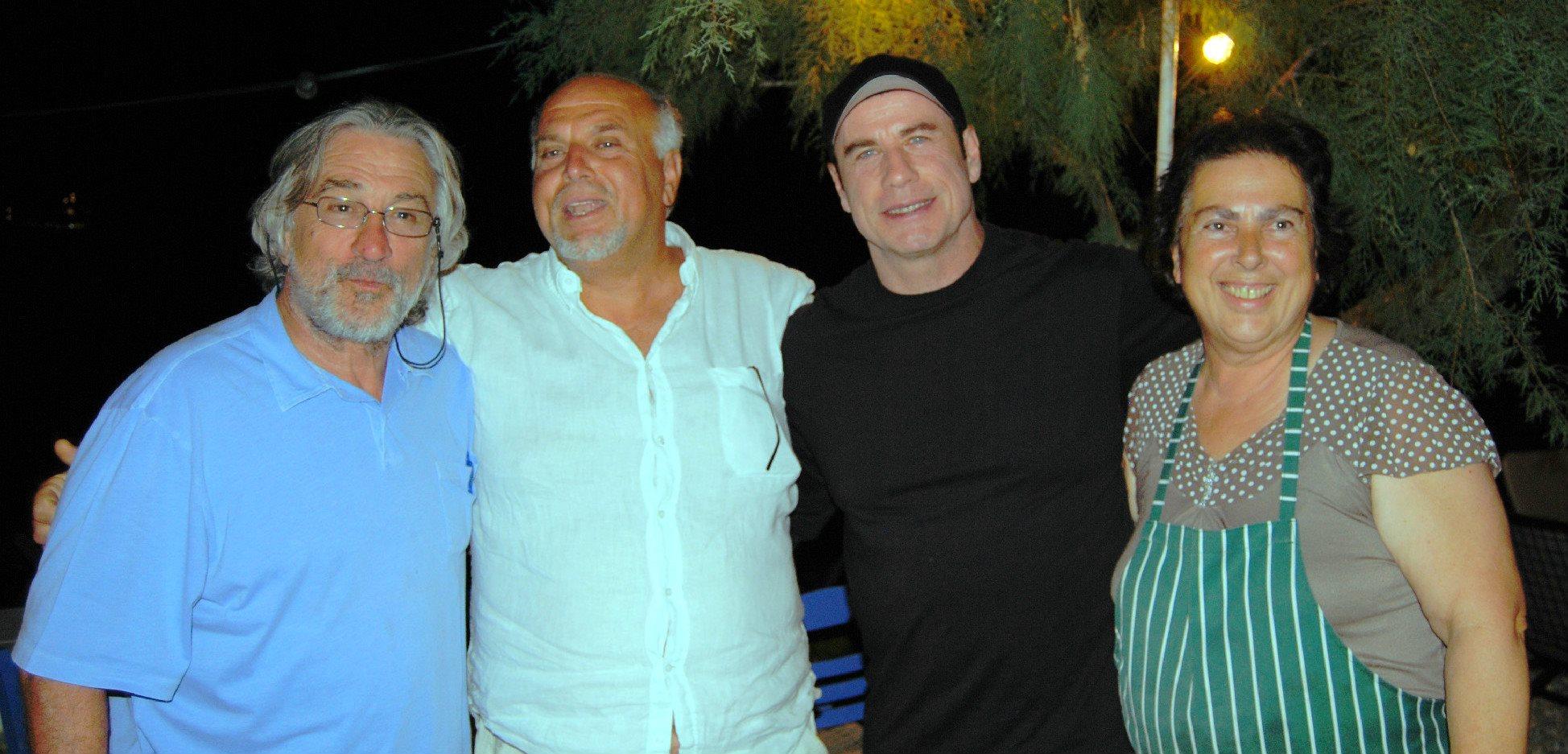 Ο Ρόμπερτ Ντενίρο και ο Τζον Τραβόλτα στη Σκόπελο, στην ταβέρνα του Γιώργου Κοσμά