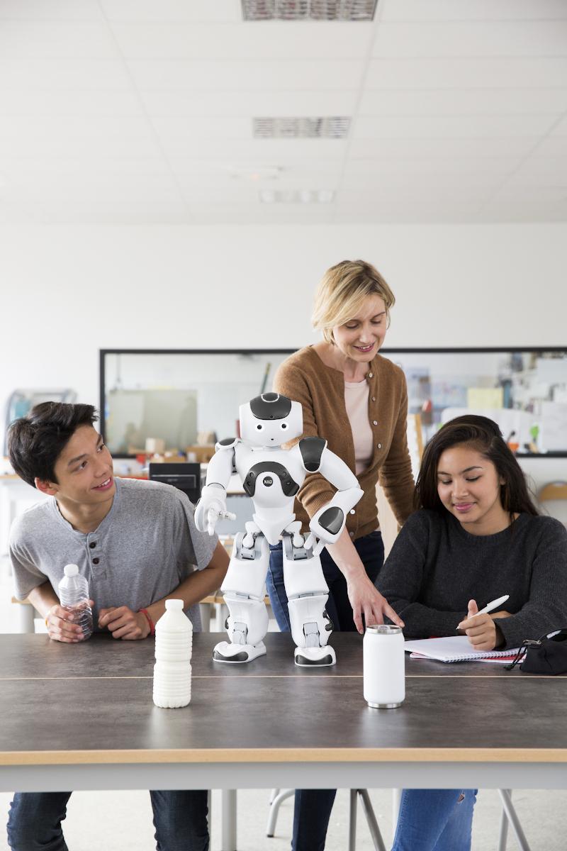 Ρομπότ ανάμεσα σε μαθητές