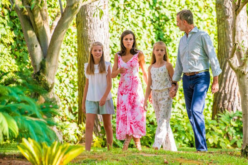 Η βασιλική οικογένεια της Ισπανίας σε καλοκαιρινές διακοπές
