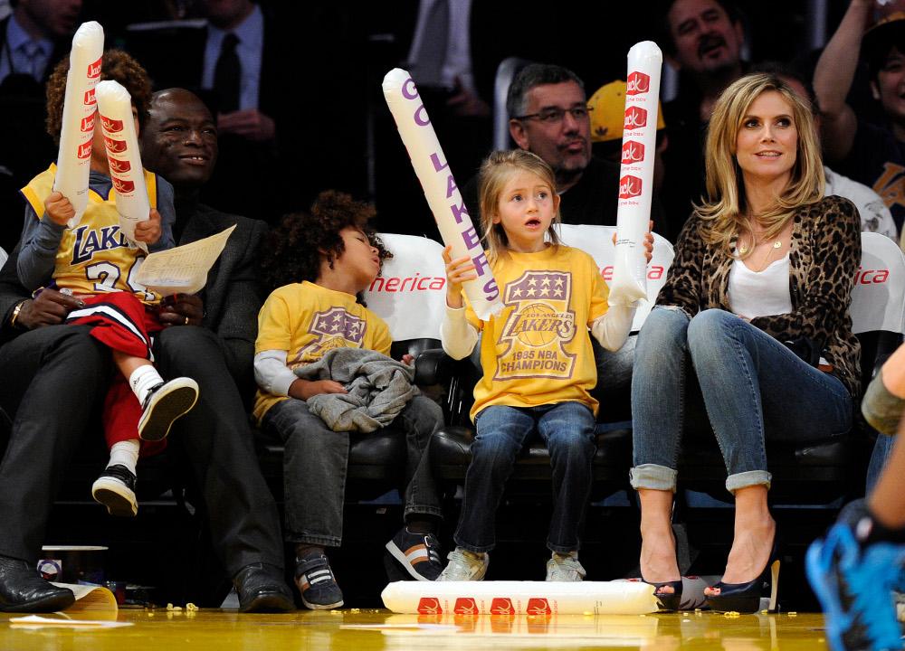 Ο Σιλ και η Χάιντι Κλουμ με τα παιδιά τους