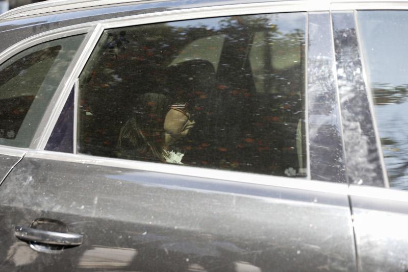 Η στιγμή της άφιξης της Αικατερίνης Σακελλαροπούλου στο Προεδρικό Μέγαρο