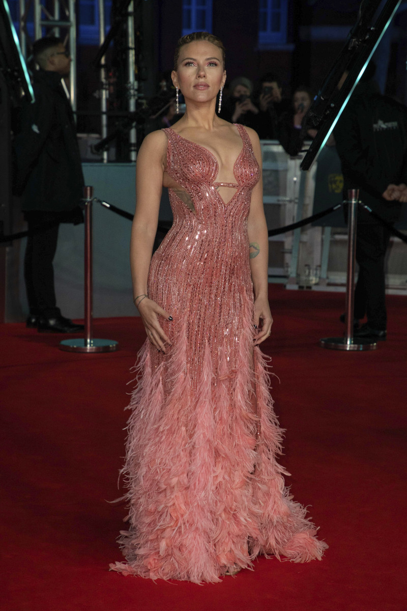 Η Σκάρλετ Γιόχανσον με το υπέροχο ροζ φόρεμά της