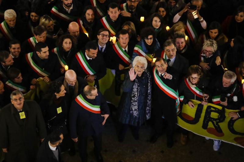 Πορεία δημάρχων κατά του μίσους στο Μιλάνο