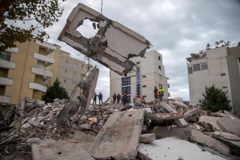 Συντρίμμια από σεισμό στην Αλβανία