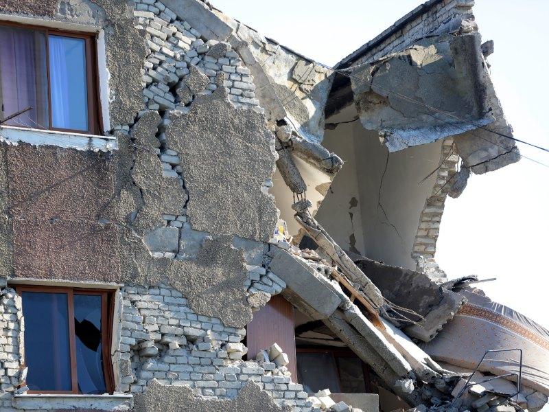 Τεράστιες οι καταστροφές από το σεισμό