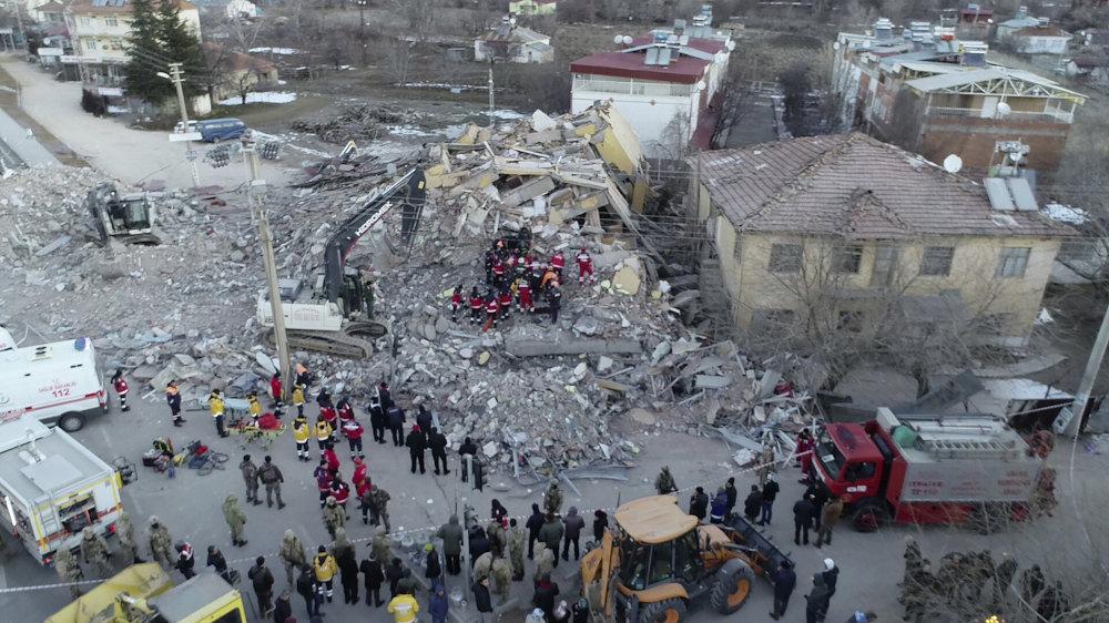 Ο σεισμός έρχεται έναν μήνα μετά τον φονικό σεισμό που έπληξε άλλη περιοχή στην Τουρκία