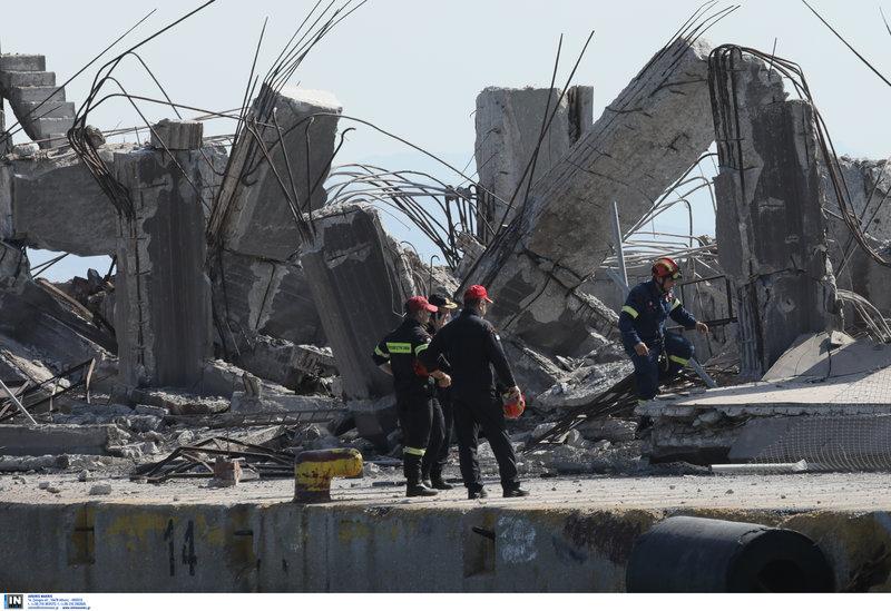 Ο ταινιόδρομος που κατέρρευσε στο λιμάνι του Πειραιά