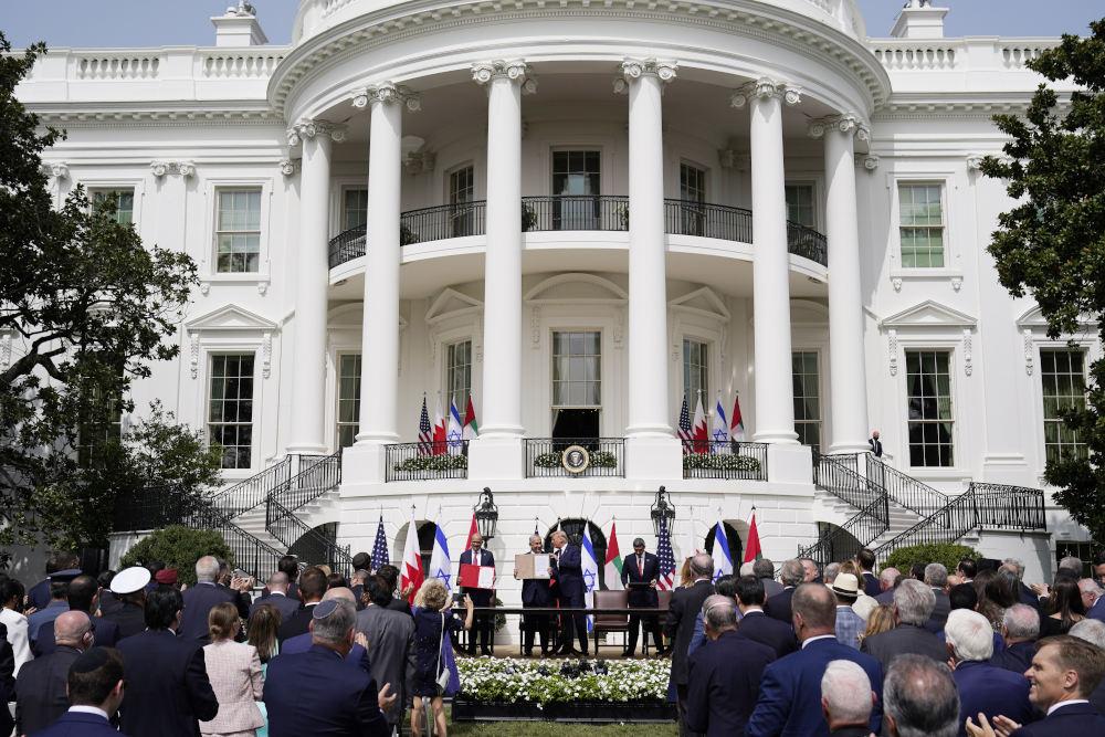 Για ιστορική συμφωνία που αλλάζει την εικόνα στη Μέση Ανατολή έκανε λόγο ο Ντόναλντ Τραμπ