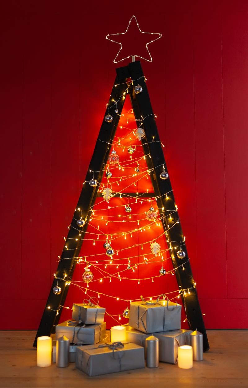 Χριστουγεννιάτικη σκάλα