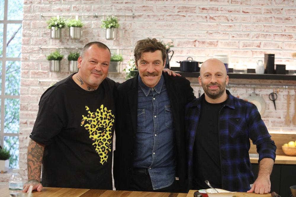 Δημήτρης Σκαρμούτσος, Γιάννης Στάνκογλου και Ηλίας Φουντούλης στην εκπομπή Food n' Friends