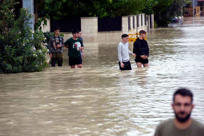Πλημμυρισμένοι δρόμοι στην ισπανία