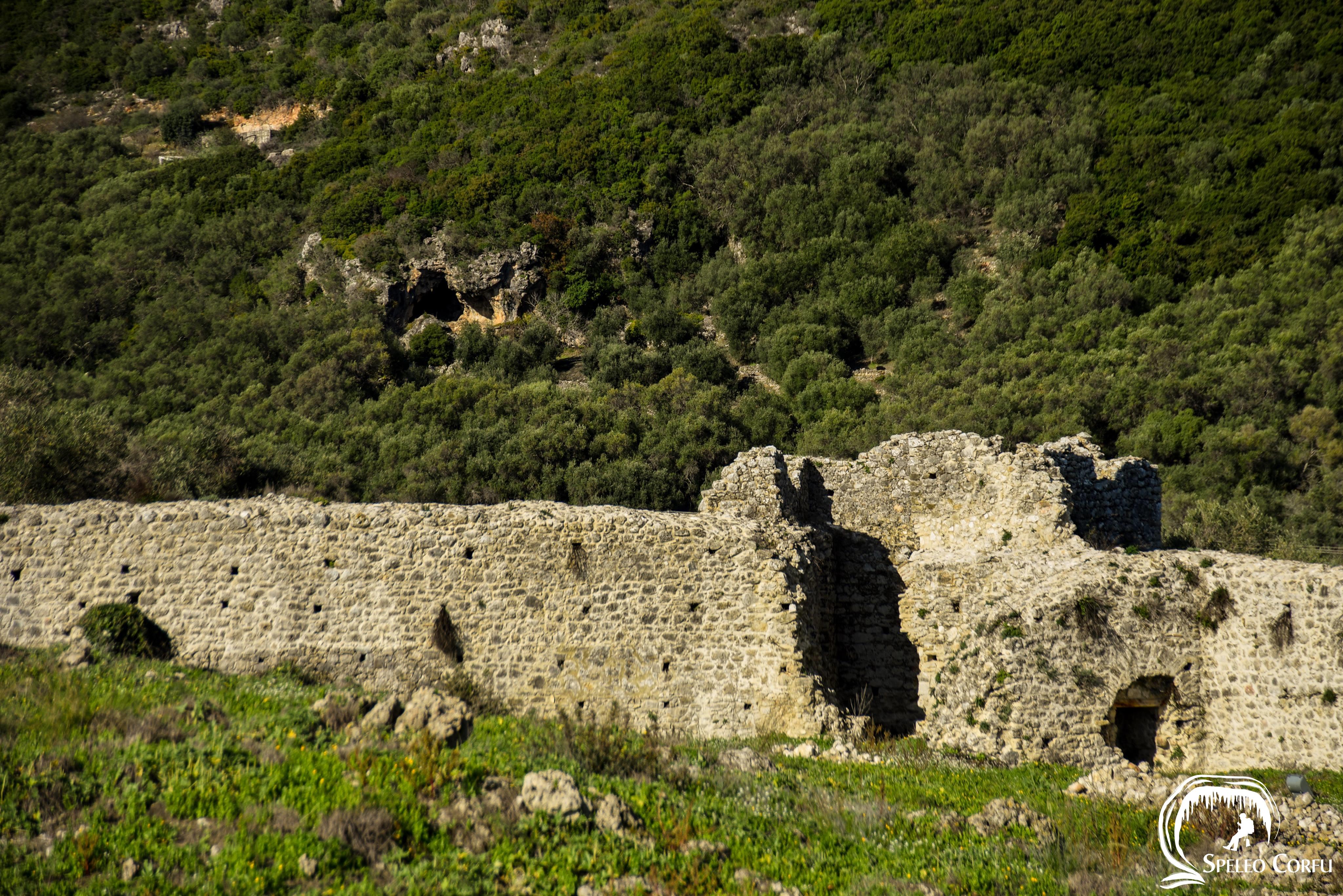 Το σπήλαιο Γράβα Γαρδικίου χρονολογείται από το 20.000 π.Χ