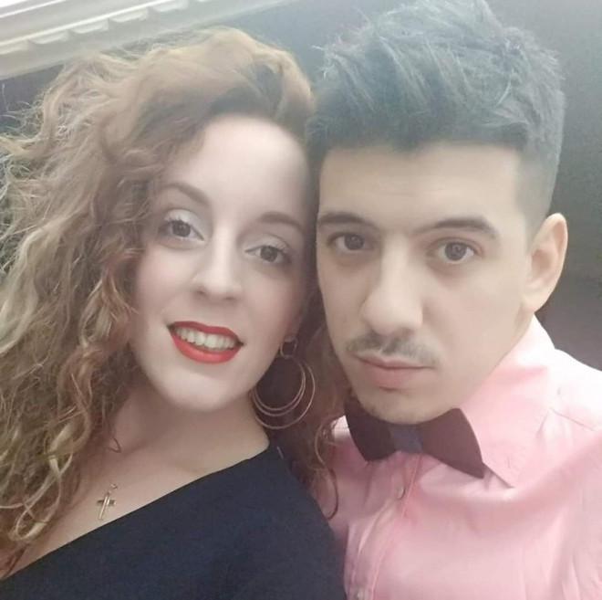 Η Σπυριδούλα Καραμπουτάκη με τον σύντροφό της