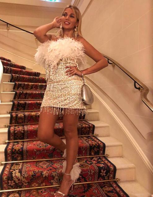 Το κοντό στράπλες φόρεμα της Κωνσταντίνας Σπυροπούλου