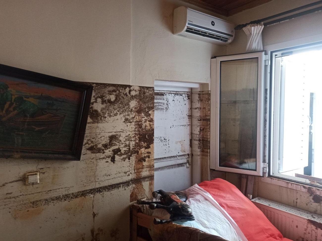 Καταστροφές σε δωμάτιο στα Πολιτικά Εύβοιας