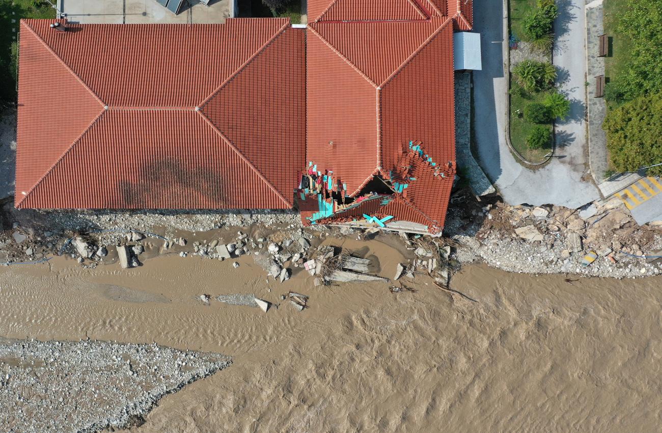 Πλημμύρες και ζημιές σε κτίριο στο Μουζάκι Καρδίτσας