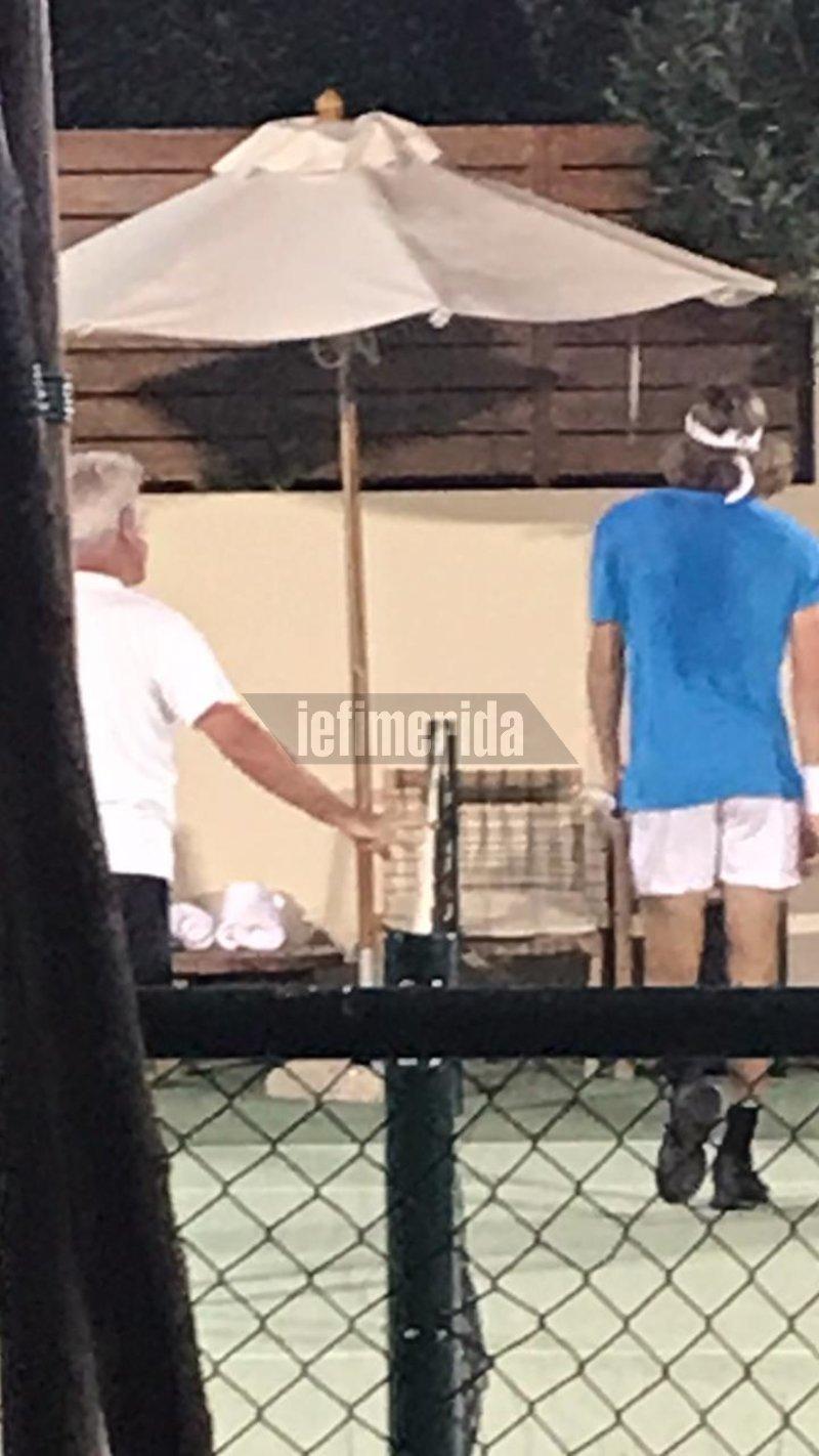 Στέφανος Τσιτσιπάς στην Κέρκυρα παίζει τένις