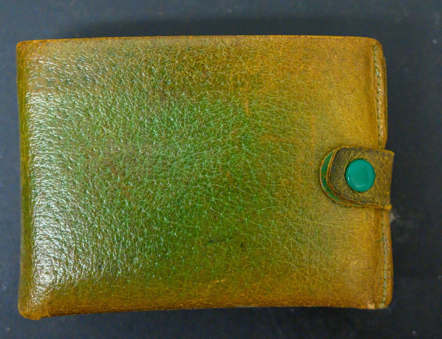 Το δερμάτινο πορτοφόλι της Πάτι που βρέθηκε στο εσωτερικό της τσάντας