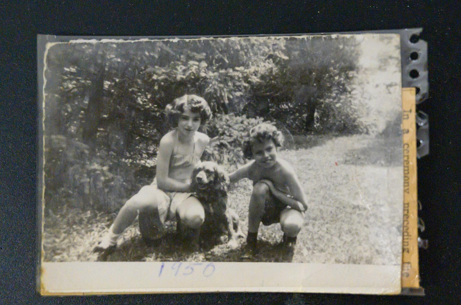 Φωτογραφία του 1950, της μικρής Πάτι, η τσάντα της οποίας βρέθηκε έπειτα από 64 χρόνια στο σχολείο της