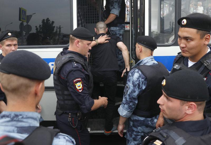 Συλλήψεις στη Μόσχα