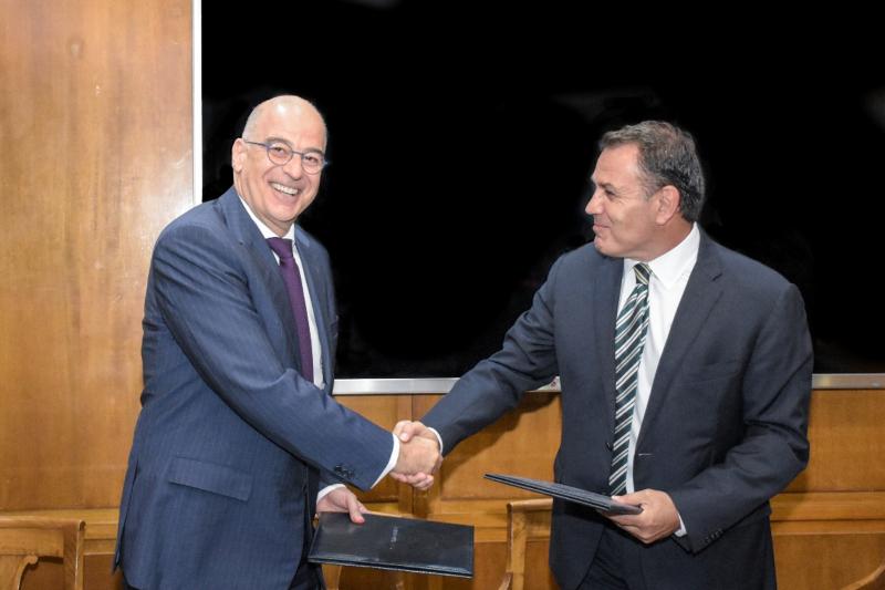 Συνάντηση του ΥΠΕΞ Δένδια με τον υπουργό Αμυνας