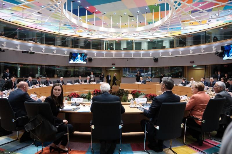 Το τραπέζι της Συνόδου Κορυφής